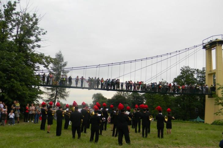 Wiszący most na Rabie w Damienicach